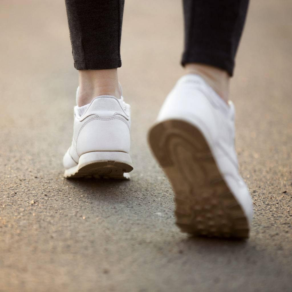 O sedentarismo é uma das principais causas das dores nas articulações.