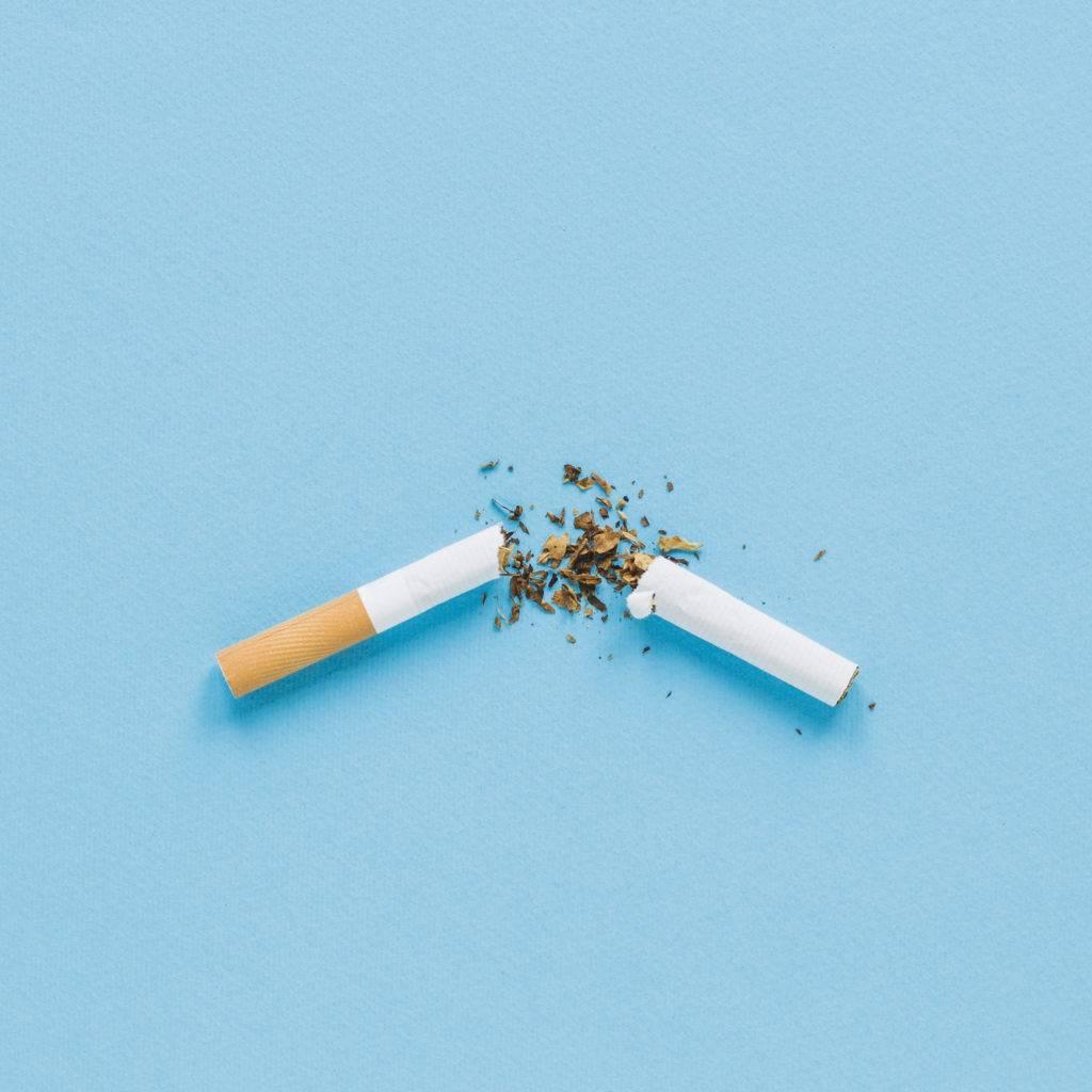 Pare de fumar para se livrar da dor nas juntas.