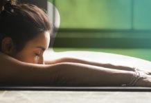 capa-Dor-lombar-Prevenir-é-melhor-que-remediar! Conheça-as-5-posturas-para-se-livrar-da-dor.