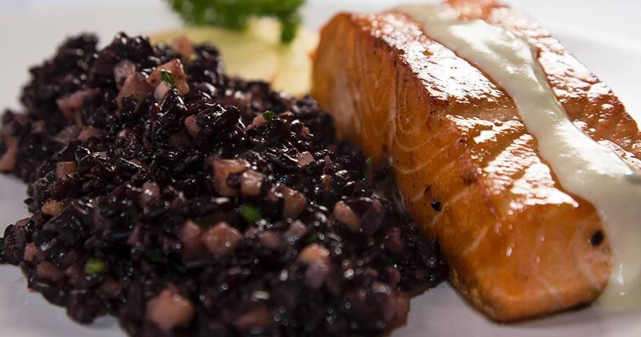 Arroz integral x arroz branco: arroz negro
