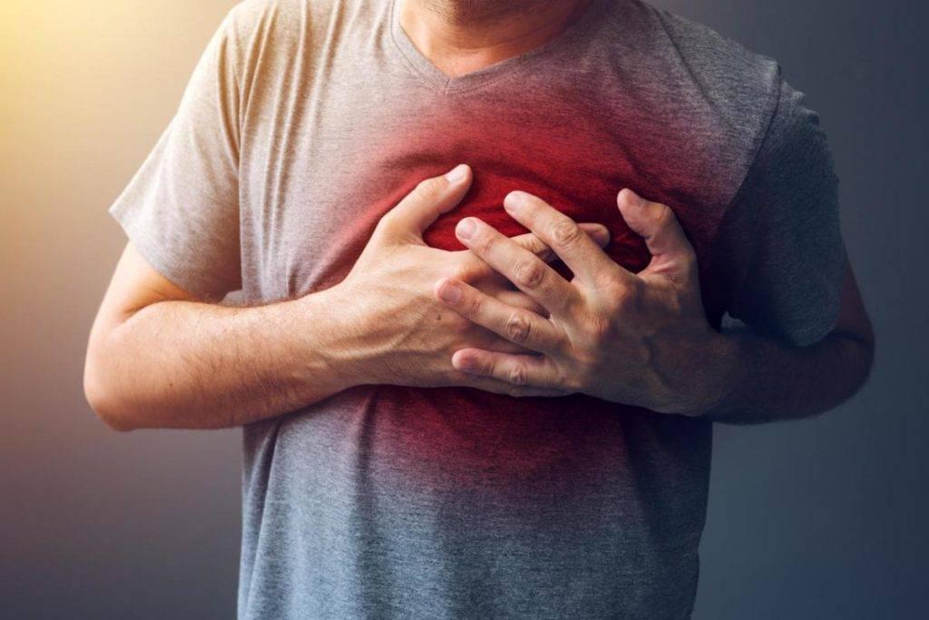 infarto e diabetes ataque cardíaco e diabetes homem tendo um ataque cardíaco